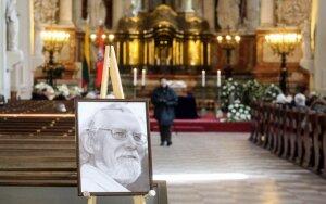 Pirmadienį laidojamas M.Martinaitis